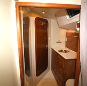 Bathroom in th back cabin